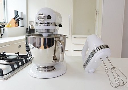 Comparison Between Stand Mixer And Hand Mixer